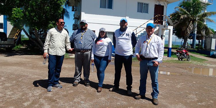 En la gráfica, Raúl Figueroa Soriano, Edgar Osiris Carranza, Khaterin Posadas, Jonas Carrasco y Ricardo Gómez.