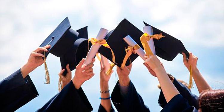 Los jóvenes que se habían ilusionado con graduarse, deberán seguir esperando hasta que liberen la departamental.