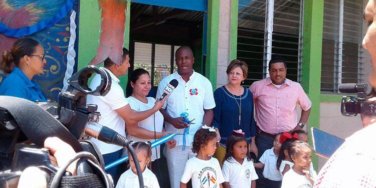 El alcalde, Jerry Sabio, estuvo en la inauguración de el nuevo módulo en La Ceiba.