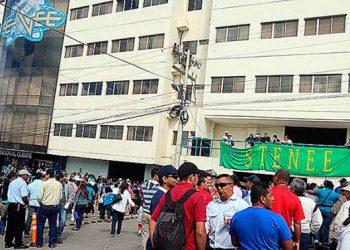Una parte del STENEE, encabezada por José Luis Matamoros, pide celebrar elecciones con presencia de autoridades y medios de comunicación.