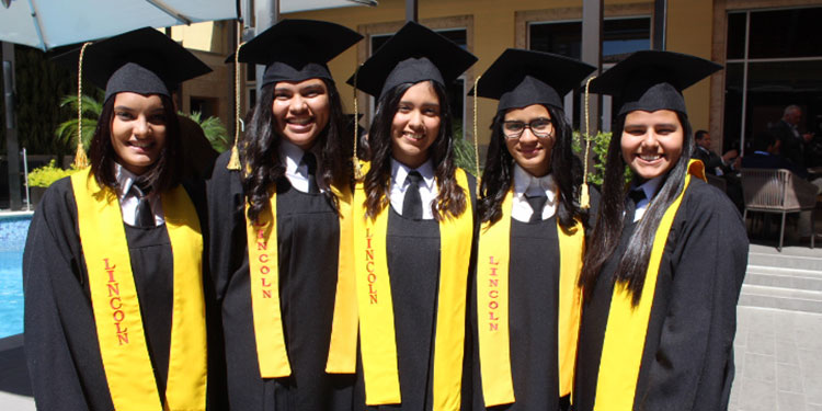 Abigail Raudales, Valeria Erazo, Connie Ferrera, Nathalia Carrasco, Allison García.
