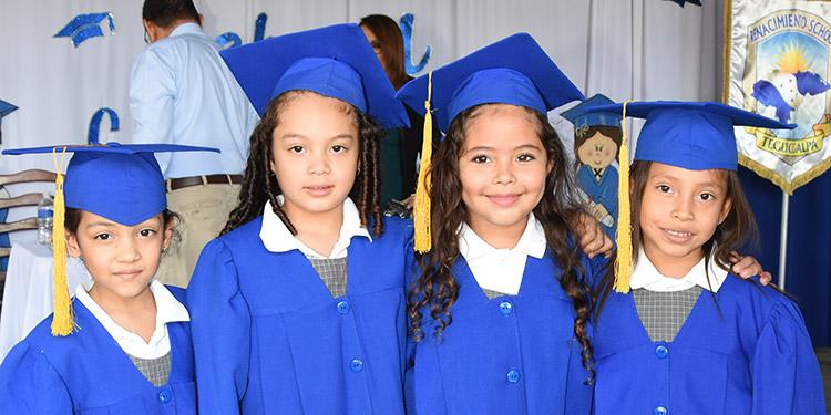 Leah Moncada, Mía Rodríguez, Amelia Ortiz, Scarleth Osorio.