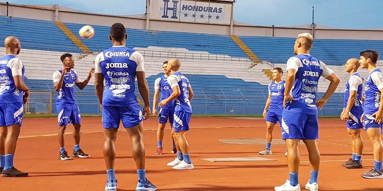 Coito separa a 7 futbolistas de cara al juego contra Trinidad & Tobago - La Tribuna.hn