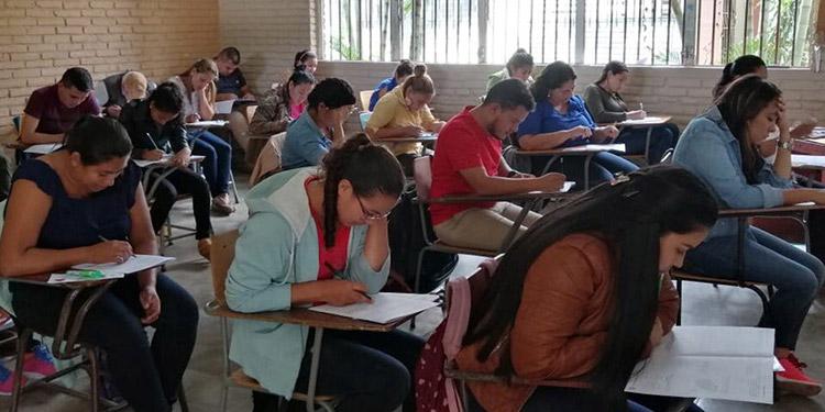 Los docentes que no aprobaron las pruebas del concurso, tendrán la oportunidad de hacerlo el otro año.