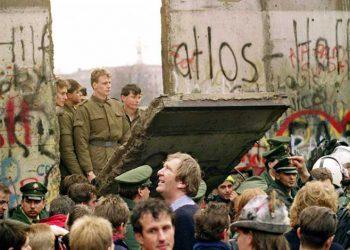 El muro de Berlín cayó en 1989.