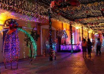 El paseo navideño ya estará habilitado para tomarse las fotografías del recuerdo con las familias que visiten la excapital de Honduras.