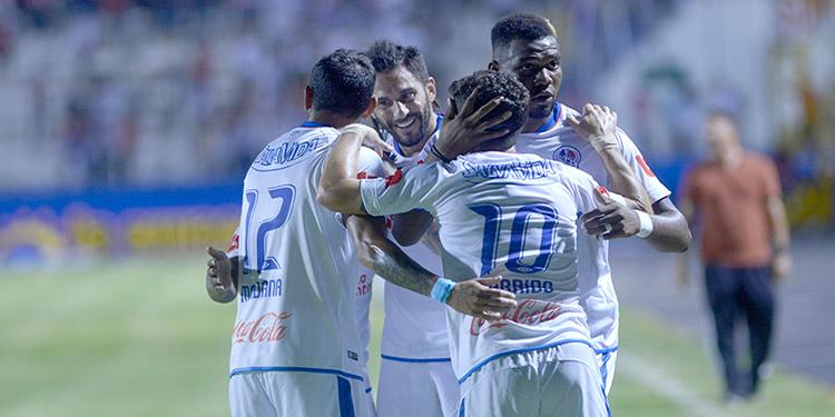 Olimpia eliminado de Liga Concacaf, va en busca de la Copa Premier.
