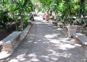 Limpios lucen los diferentes corredores del parque La Concordia, después de que la alcaldía asignara personal de limpieza.