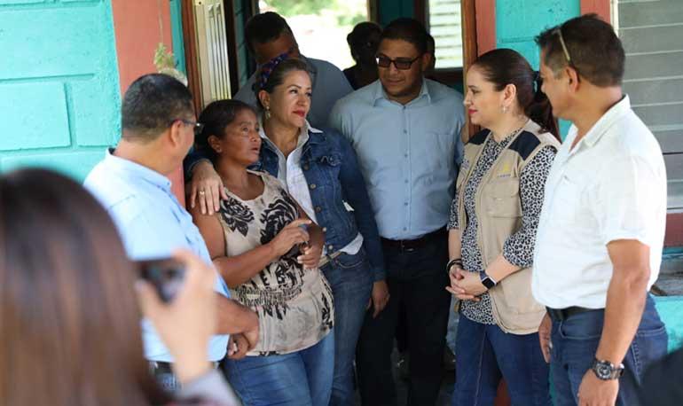 Entregan viviendas y más de 700 beneficios sociales en Santiago de Puringla - La Tribuna.hn