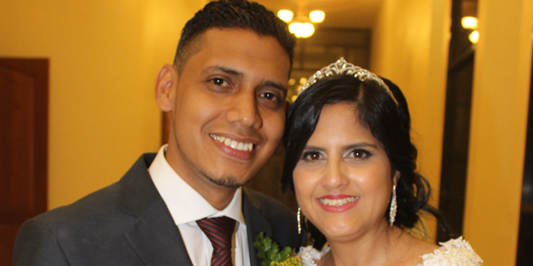 Ariel Núñez y Pamela Montenegro contraen matrimonio - La Tribuna.hn