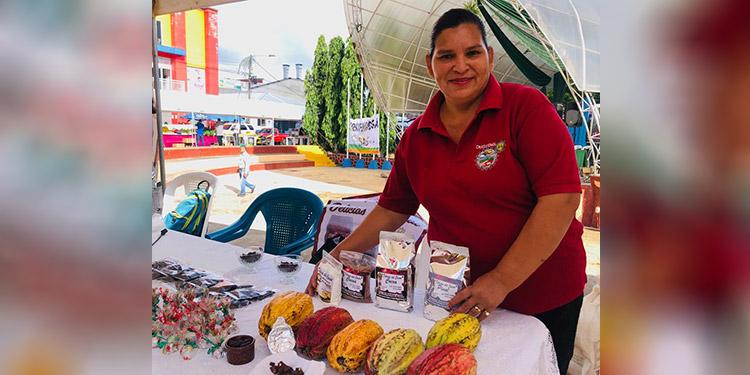 Diversidad de productos en FeriSAG de Santa Cruz de Yojoa - La Tribuna.hn
