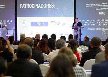 """El Infop patrocina el foro """"Impulsando el desarrollo de Honduras a través de la modernización de la formación técnica profesional""""."""