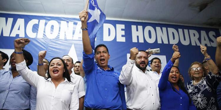 Nacionalistas realizan multitudinaria pre convención en La Ceiba y Roatán (Video) - La Tribuna.hn