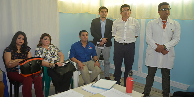 """La comisión de transición asumió en el Hospital """"Gabriela Alvarado"""", tras los despidos de la directora y la administradora."""