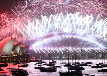 Coloridos fuegos artificiales dieron la bienvenida al 2020 en Sídney, la ciudad más poblada de  Australia y toda Oceanía. Crédito: AFP