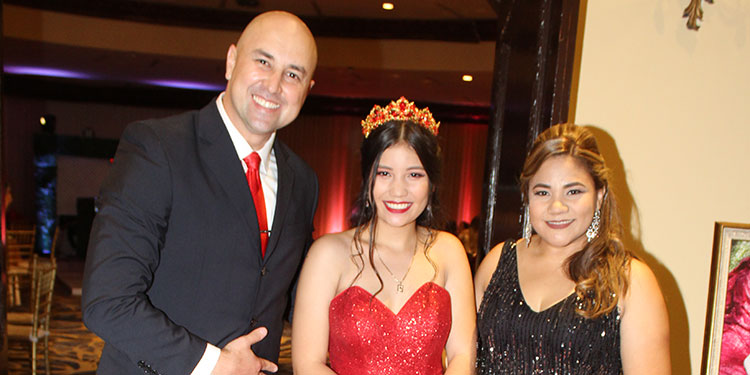 Gustavo Adolfo Girón, Angelie Girón, Cinthia Valladares.