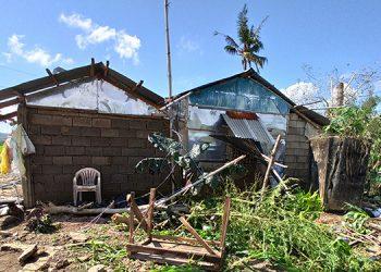 Daños causados por el tifón Phanfone en la localidad de Batad, en el centro de Filipinas.
