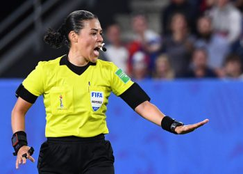 Melissa Borjas  (R)  gestures for a penalty  during the France 2019 Women's World Cup Group A football match between Nigeria and France, on June 17, 2019, at the Roazhon Park stadium in Rennes, western France. (Photo by FRANCK FIFE / AFP)