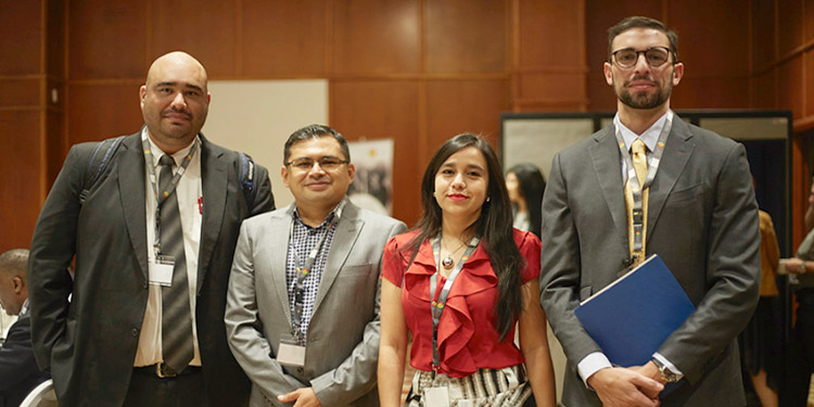 Por Cancillería participó el encargado de la Unidad Seguridad Regional de la Cancillería hondureña Ronal Deras y el consejero de la Misión de Honduras ante la Unión Europea, José Eduardo Átala.