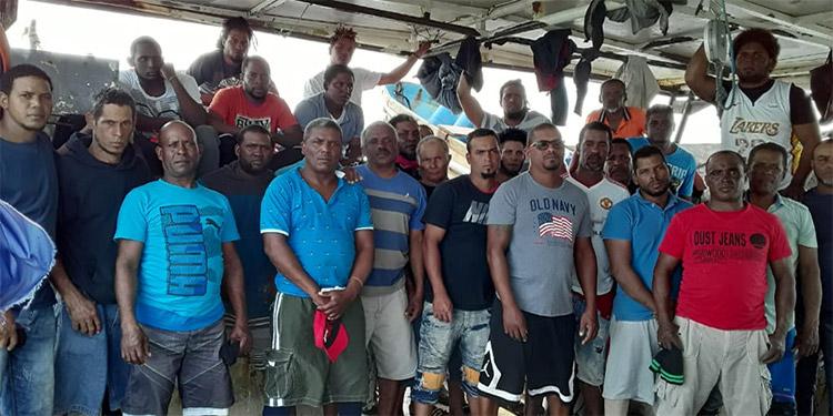 Los dominicanos están a la espera de la decisión del juez.