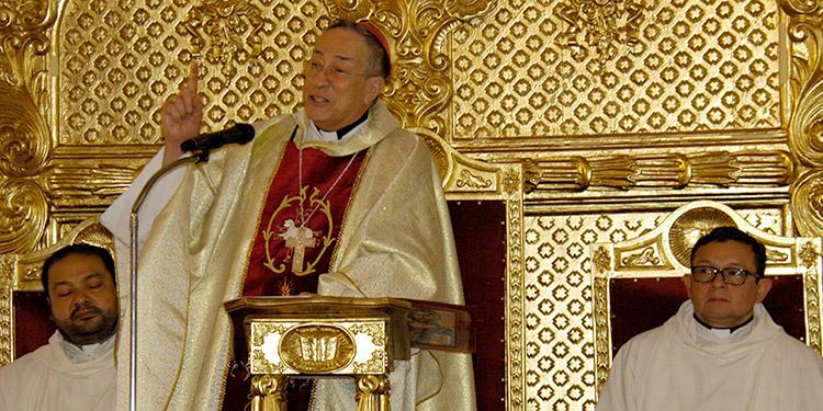 """El cardenal Óscar Andrés Rodríguez en su homilía de Navidad dijo: """"Jesucristo con su nacimiento alumbrará la oscuridad de Honduras""""."""