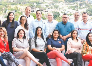 Los asistentes a la reunión de trabajo celebrada en el Hotel Plaza San Martín.