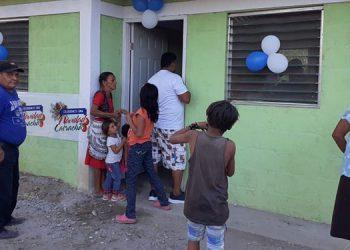 El presidente del Congreso Nacional, Mauricio Oliva, anunció en el acto, que para el próximo año presupuestaron más proyectos de vivienda y para la red vial primaria y secundaria.