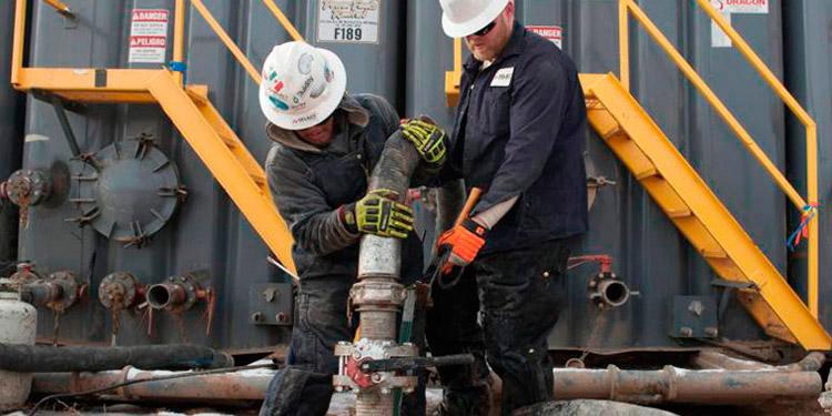 Por falta de almacenamiento el petróleo cierra en negativo en EEUU
