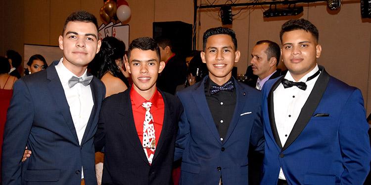 Luis Fiallos, Henry Lobo, Roger Rodríguez, Antonio López.