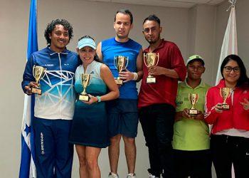 Con la entrega de premios finalizó el año la Federación Hondureña de Tenis.
