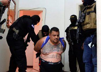 """Entre las más destacadas capturas del presente año resalta la del cabecilla de la """"MS-13"""", Carlos Alberto Álvarez Cruz (39), conocido criminalmente como """"Cholo Houston""""."""