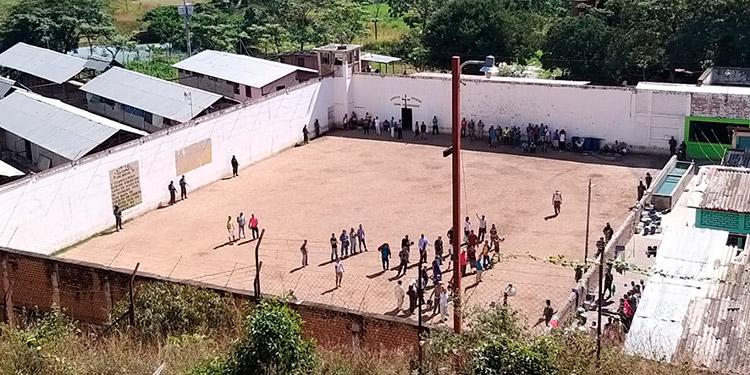 Fusina mantiene fuertes operativos en las cárceles.