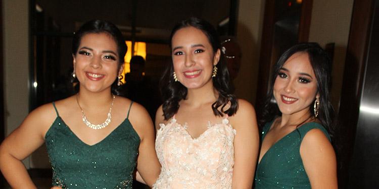 Lindsey Chávez, Fabiola del Cid, Allison Castillo.