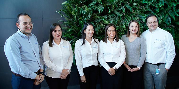 Ejecutivos y administradores de Banco Ficohsa.