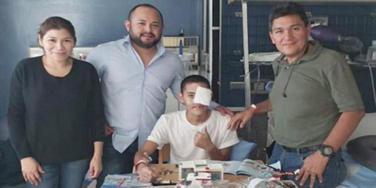 Todavía no se conoce cuántas cirugías serán necesarias para devolverle  la  sonrisa al muchacho, que llegó el jueves a Boston.