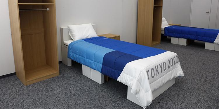 Dos lotes de muebles de dormitorio, que incluyen camas hechas de cartón, para los Juegos Olímpicos y Paralímpicos de Tokio 2020.