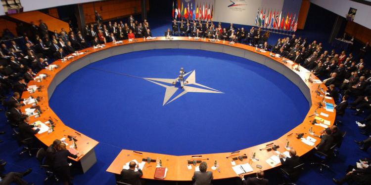 La OTAN se apresta a pasar la página de Trump mientras espera a Biden