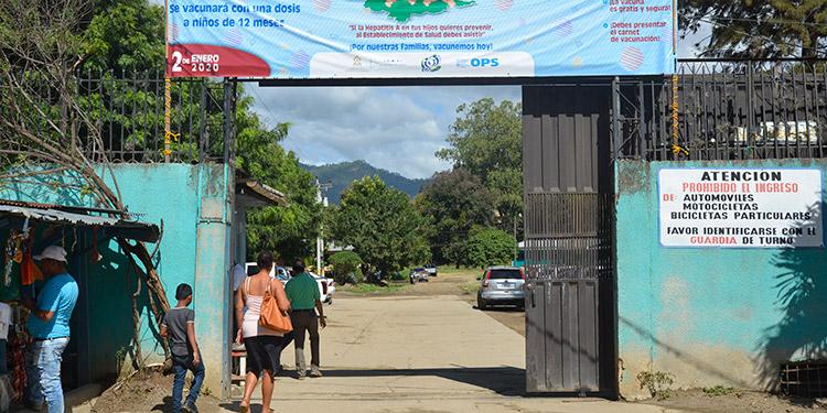 La Región de Salud aún no asigna nuevo personal para el centro de salud de la colonia Nueva Esperanza, considerado el más grande y con más responsabilidad con la población.