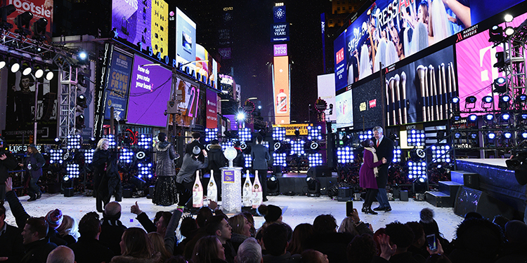 NEW YORK, NEW YORK - DECEMBER 31: Celebrators attend Dick Clark's New Year's Rockin' Eve With Ryan Seacrest 2020 on December 31, 2019 in New York City.   Eugene Gologursky/Getty Images for Dick Clark Productions /AFP