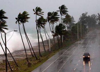 Los nombres de los huracanes se alternan entre femeninos y masculinos; en la gráfica, los efectos del huracán Dorian, en República Dominicana, en 2019.