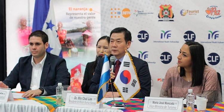 El campamento fue anunciado por representantes de la Fraternidad Internacional de Jóvenes y autoridades del gobierno.