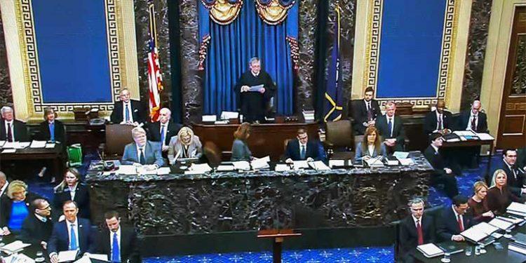 John Roberts preside el juicio contra Trump.