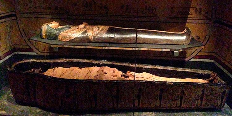 Una momia egipcia de hace 3.000 años 'recupera' la voz