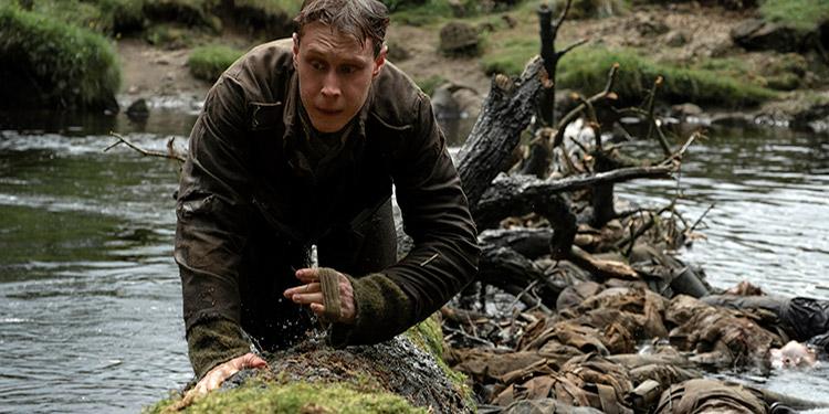 """""""1917"""", el filme sobre la misión de dos soldados británicos en las trincheras de la I Guerra Mundial, se llevó el principal premio de los Globos de Oro, el de Mejor Película dramática."""