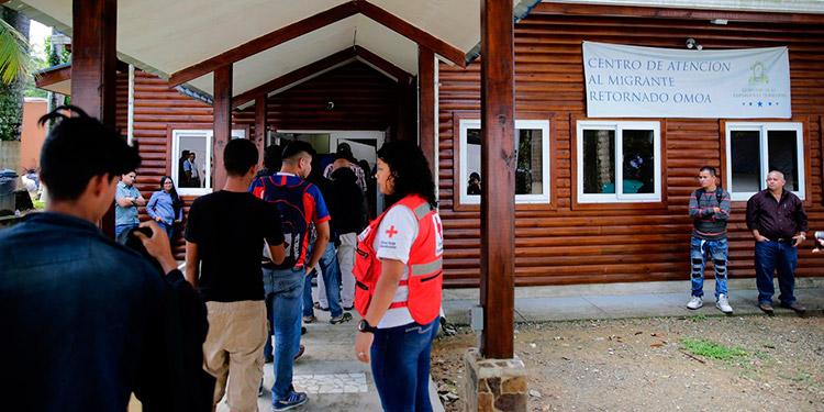 Los migrantes, a su regreso a Honduras, reciben una atención integral en los Centros de Atención al Migrante Retornado.