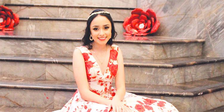 Adriana Carolina celebró sus quince años en el centro de convenciones del Hotel Honduras Maya.