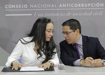 Gabriela Castellanos y Odir Fernández.
