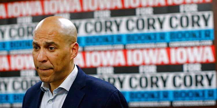 Cory Booker pone fin a su candidatura