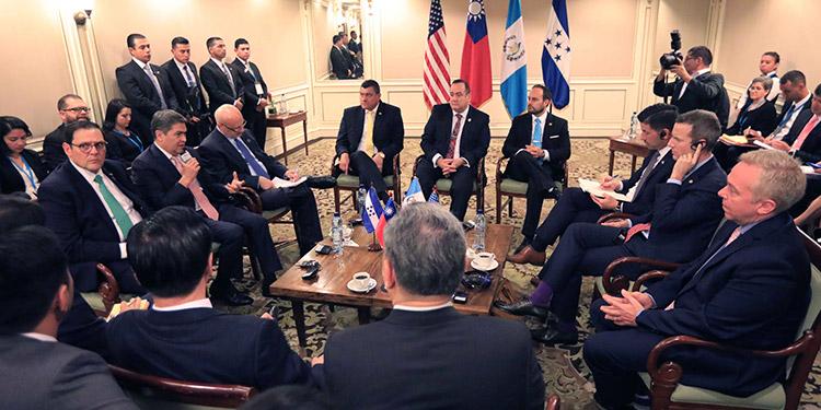 La reunión realizada en Guatemala, donde participó el mandatario.