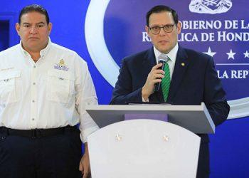 Luis Suazo y Lisandro Rosales.
